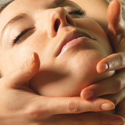 """Soin-massage éclat du visage """"Rituel fleurs de Bali®"""""""