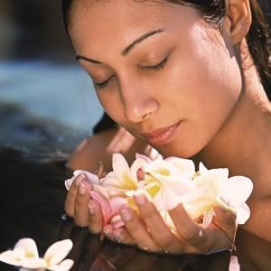 """Soin-massage du visage régénérant """"rituel fleurs et fruits de bali"""""""