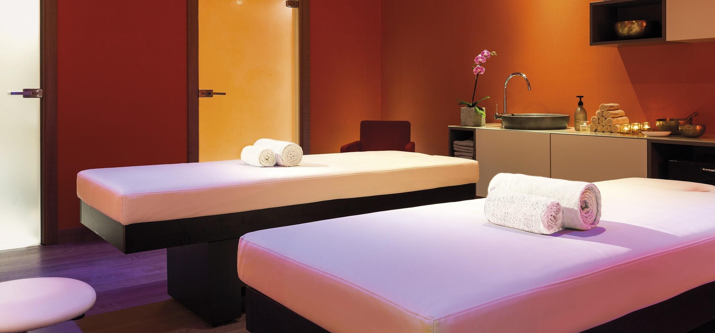 acc s au spa by clarins de chamonix mont blanc. Black Bedroom Furniture Sets. Home Design Ideas